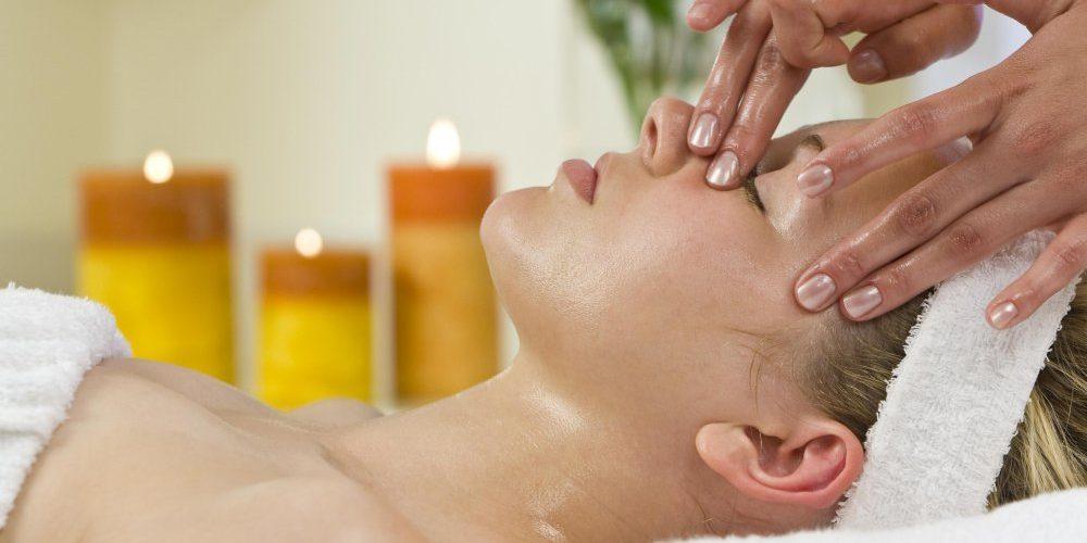 lifting-visage-huile-essentielle
